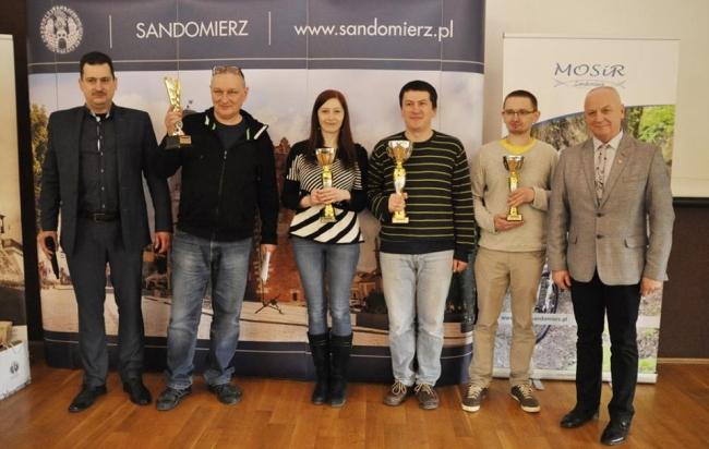 Małżeństwo Górków dominuje sandomierskie podium
